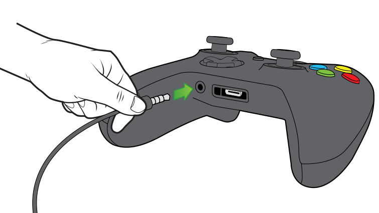 An arrow in an illustration emphasises plugging the 3.5-mm chat headset in to the controller.