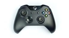 Standard Xbox One Wireless Controller overview