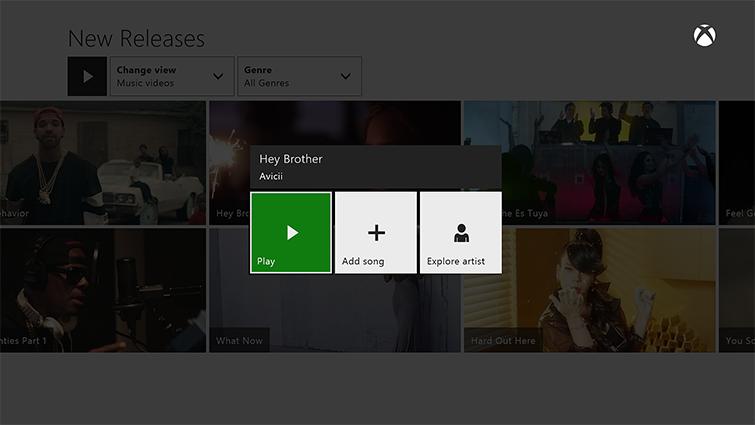 El botón 'Reproducir' se muestra resaltado para una canción seleccionada en Groove, junto con las opciones 'Agregar canción' y 'Explorar artista'.